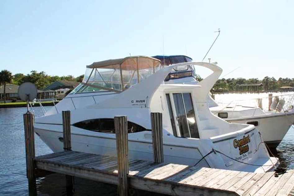 2000 Carver 350 Mariner located in Jacksonville, FL